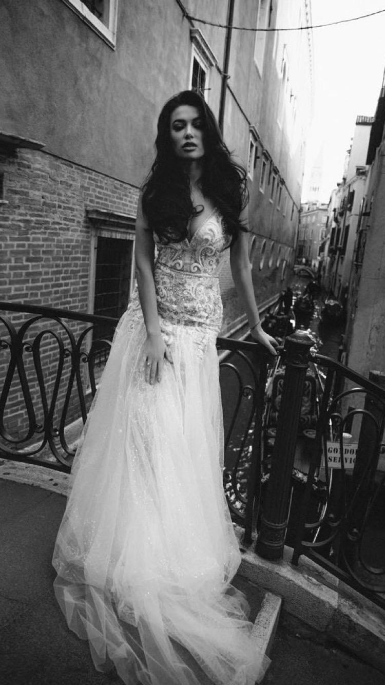Real Beverly Bride. Model MICHELLE