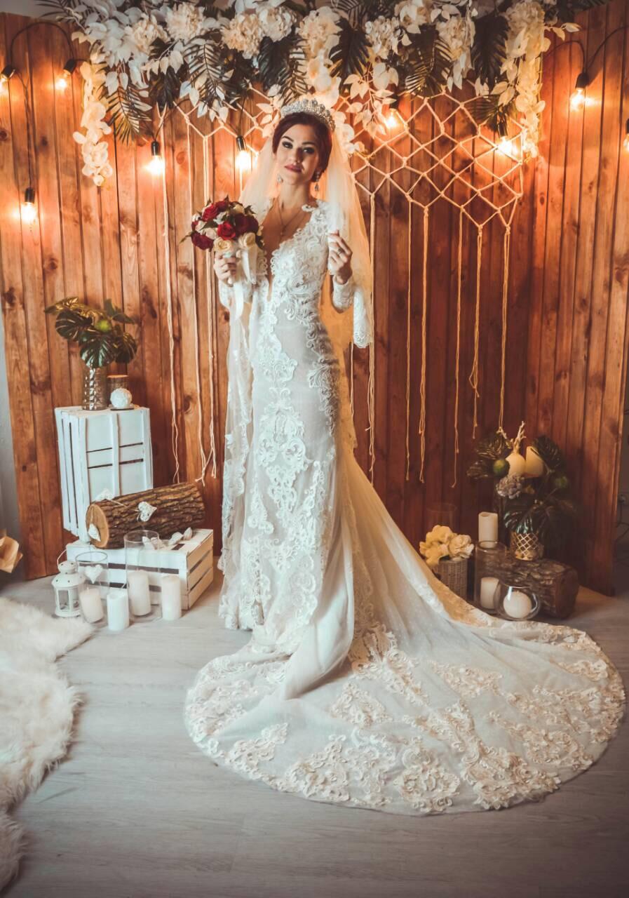 Real Beverly Bride. Model BERTA (with sleeves)