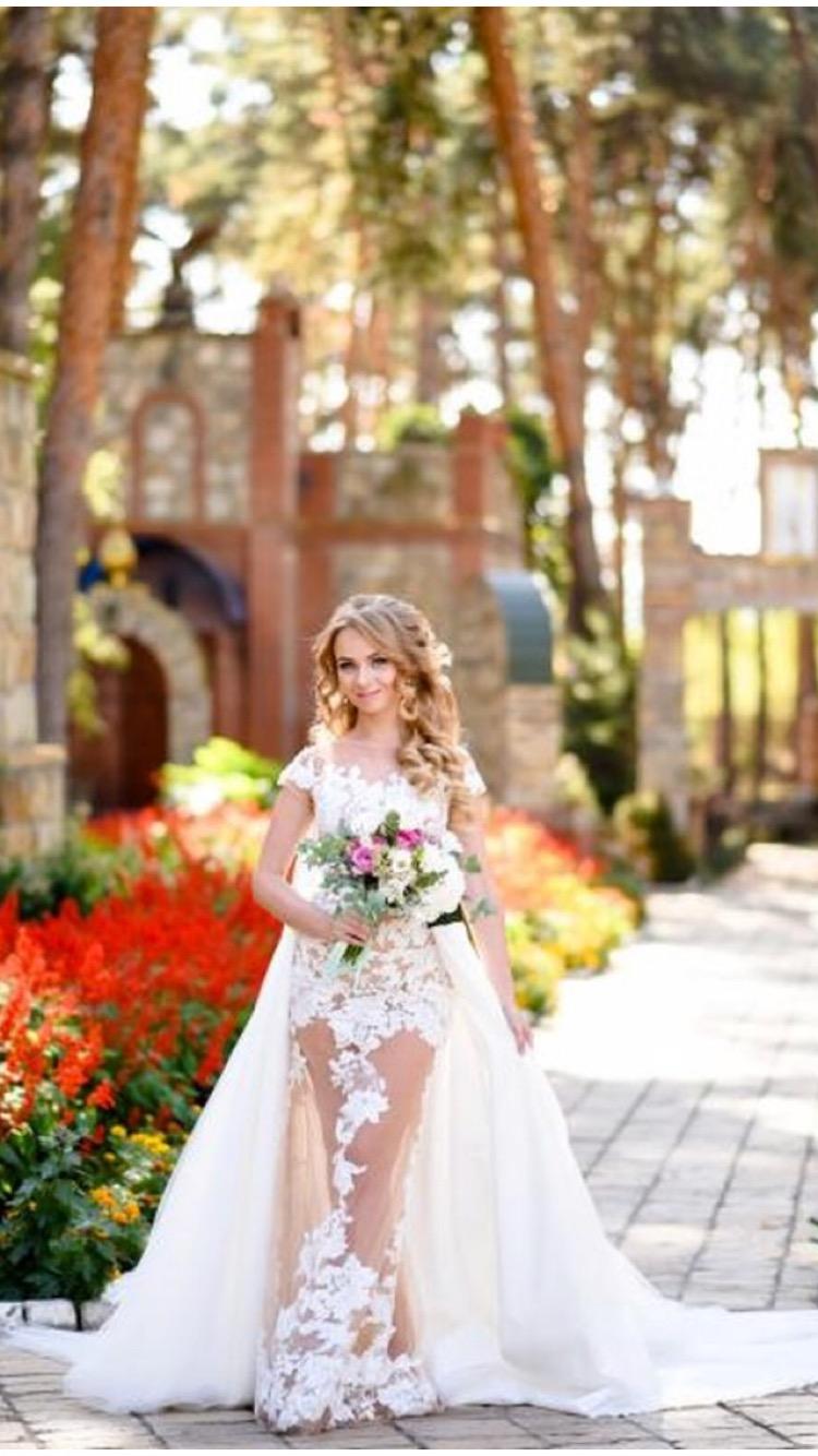 Real Beverly Bride, model Paulina